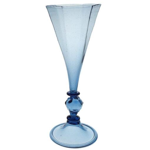 6-kantig blå pokal