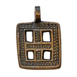 Amulett med fönsterkors